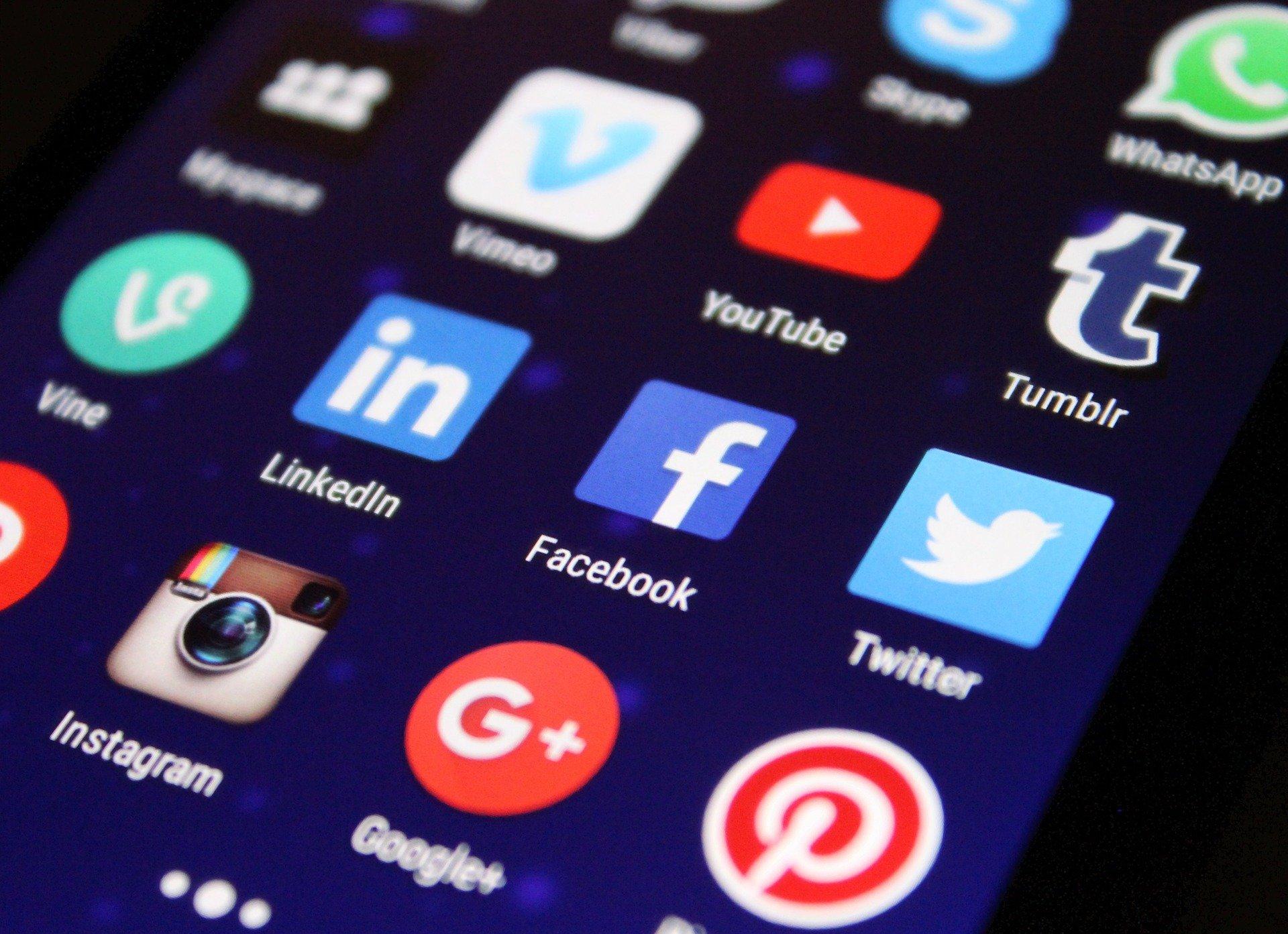 esteja-nas-redes-sociais